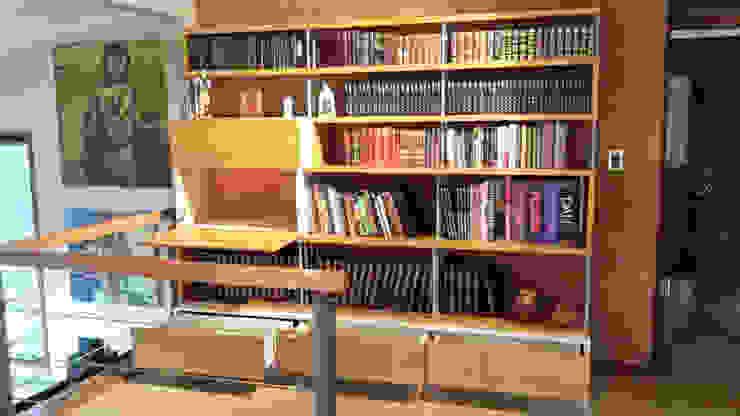 Biblioteca – Bar de Reforma Arquitectura SpA Moderno Madera Acabado en madera