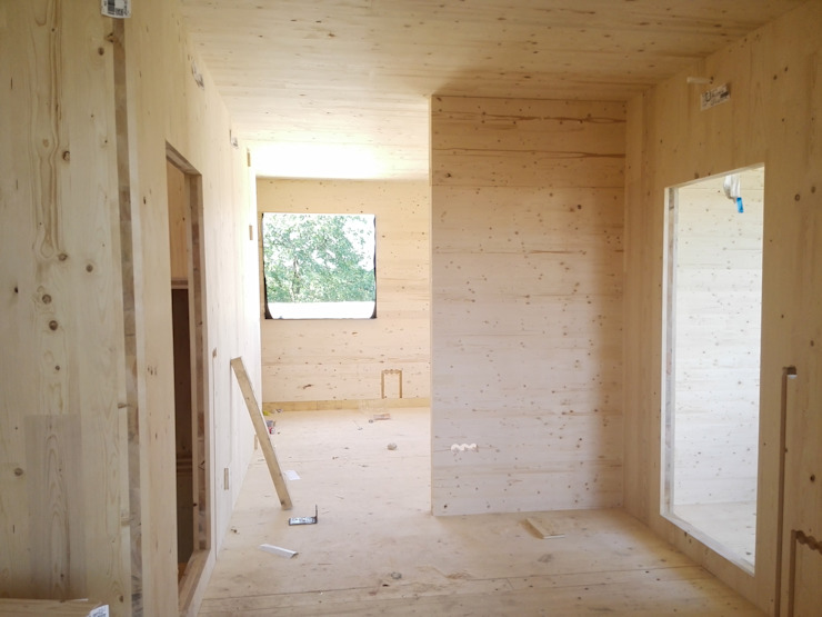 Binnenzicht ruimte Moderne slaapkamers van AVENIRarchitecten bvba Modern Hout Hout