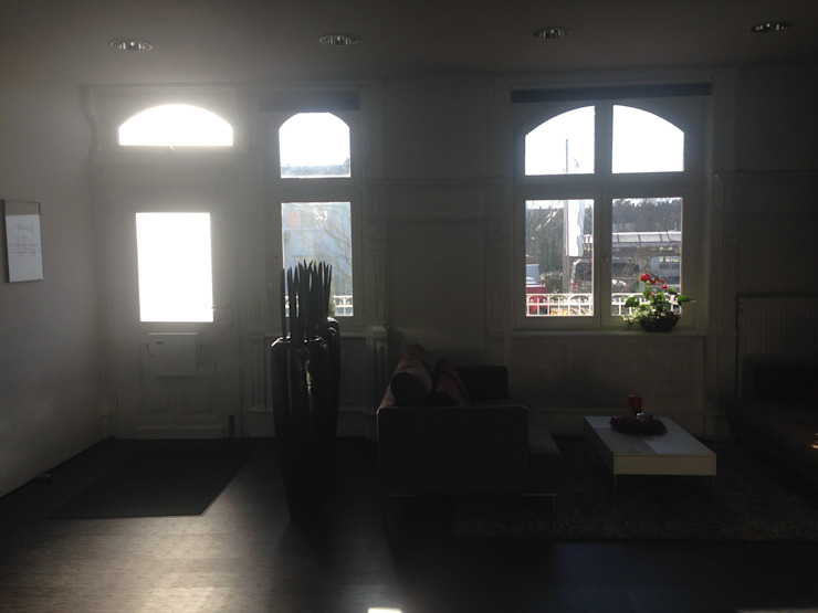 Planungsbüro GAGRO Corridor, hallway & stairsSeating White