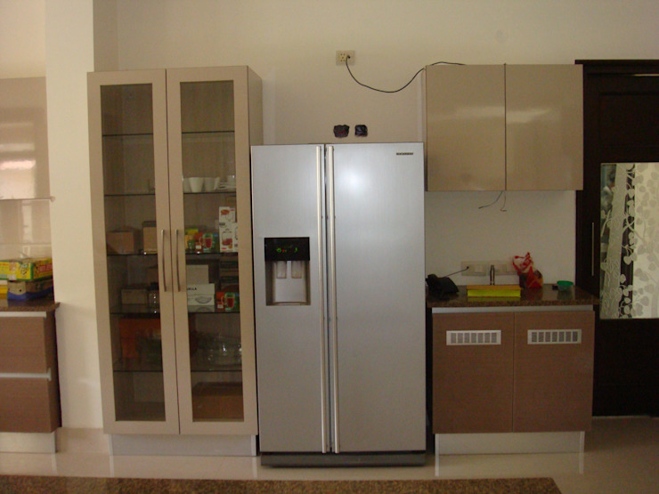 fridge Modern kitchen by elegant kitchens & Interiors Modern Chipboard