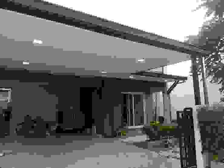 ต่อเติมห้องครัว + โรงรถ + 1 ห้องโถง โดย รับเหมาก่อสร้าง
