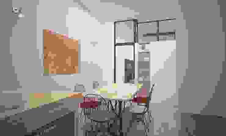 Cocinas de estilo industrial de LAB16 architettura&design Industrial