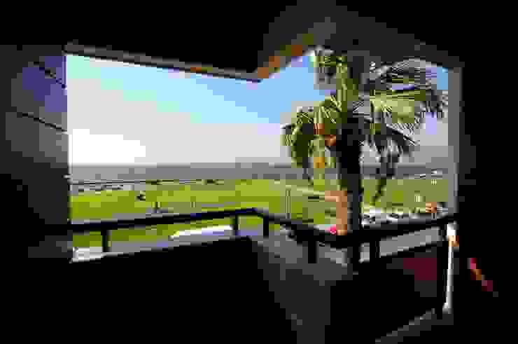 Modern style balcony, porch & terrace by Tasarımca Desıgn Offıce Modern