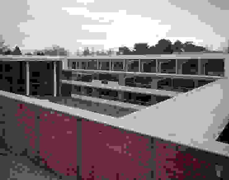 Planetário e Centro de Astrofísica do Porto Casas modernas por José Soares Arquitecto LDA Moderno