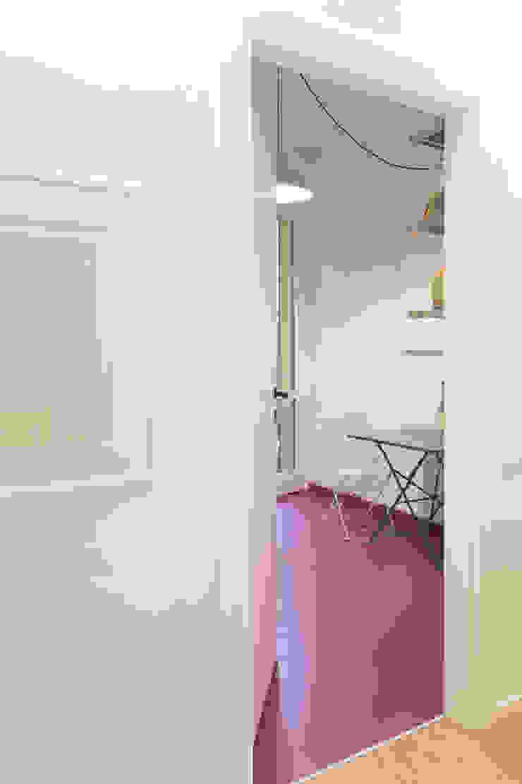 Modern Kitchen by PLUS ULTRA studio Modern Rubber