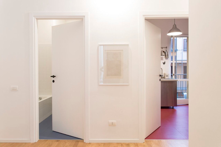 Modern Corridor, Hallway and Staircase by PLUS ULTRA studio Modern Rubber