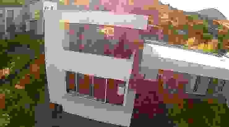 VIVIENDA EN CHICUREO, CONDOMINIO LA RESERVA Casas de estilo mediterráneo de ARQUITECTURA VANGUARDIA Mediterráneo Aglomerado