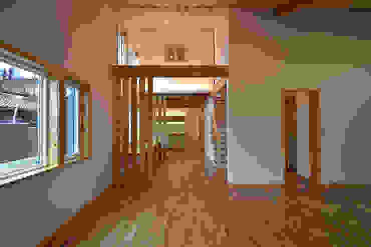 木の家株式会社 Case moderne Legno Bianco