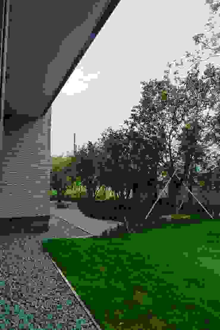 ShihYao 桃源青山宅 根據 翔霖營造有限公司 古典風 塑木複合材料
