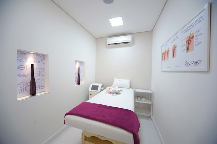 Sala de tratamento estético homify Clínicas modernas
