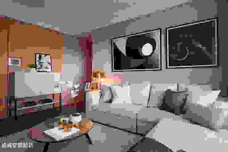 品天廈 A2實品屋 现代客厅設計點子、靈感 & 圖片 根據 成綺空間設計 現代風
