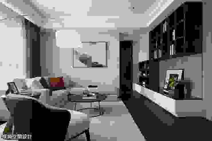 嚴公館 现代客厅設計點子、靈感 & 圖片 根據 成綺空間設計 現代風