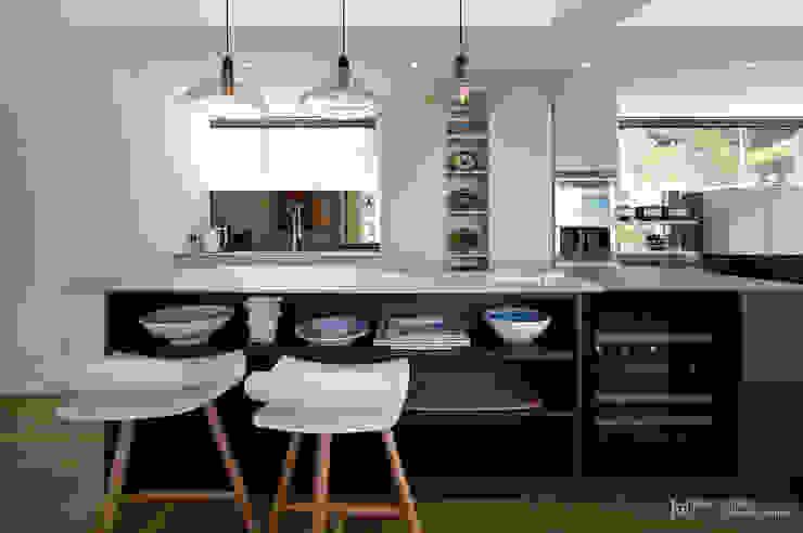 Clifton Apartment:  Kitchen by Make Architects + Interior Studio, Modern