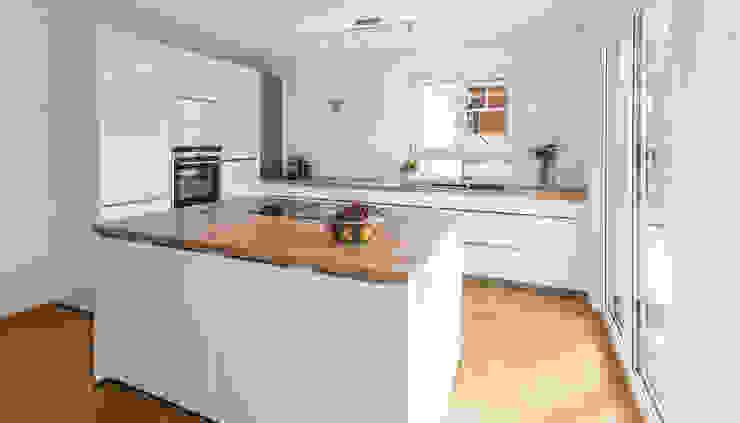 Modern Kitchen by KitzlingerHaus GmbH & Co. KG Modern