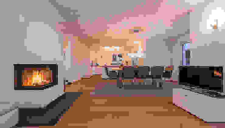 Modern Dining Room by KitzlingerHaus GmbH & Co. KG Modern