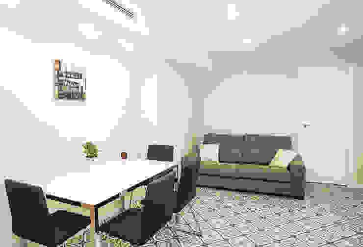 现代客厅設計點子、靈感 & 圖片 根據 Grupo Inventia 現代風 水泥