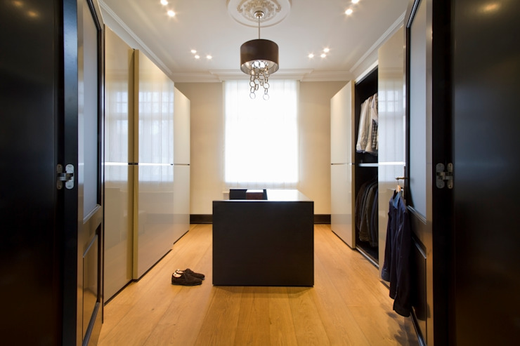 Modern Dressing Room by innen_architekten BALS + WIRTH Modern
