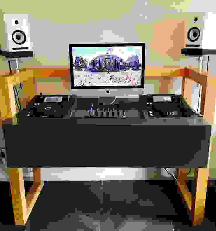 Studio GAAF Living roomTV stands & cabinets