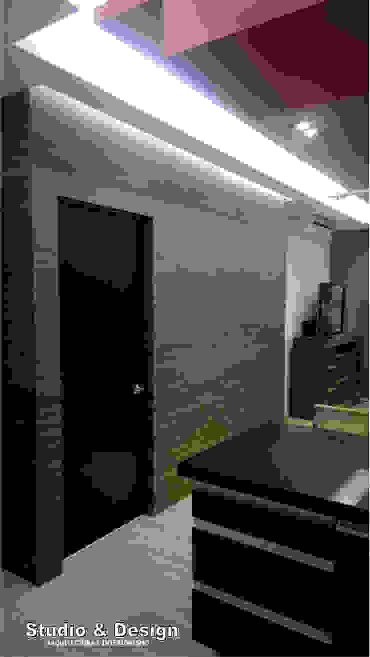 Torre Xiris Paredes y pisos de estilo minimalista de STUDIO&DESIGN Minimalista Cerámico