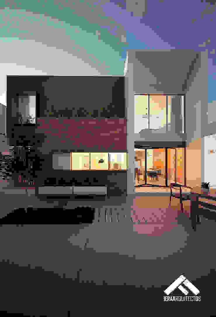 FACHADA POSTERIOR Casas modernas de FERAARQUITECTOS Moderno