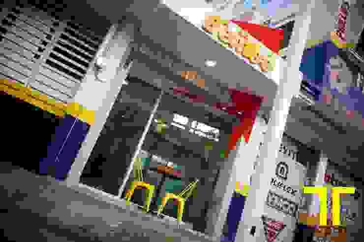 Remodelación de un Local Comercial nuevo icono de la ciudad de Luis Pacheco arquitecto Moderno