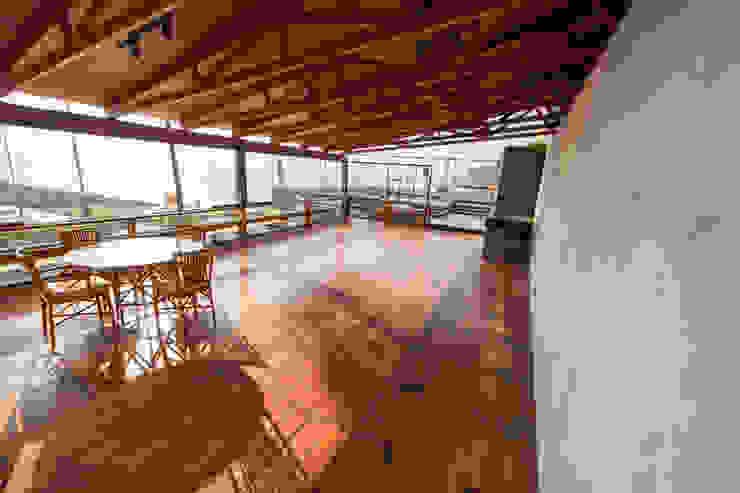 Remodelación del Comedor Segundo Nivel NIKOLAS BRICEÑO arquitecto Bares y Clubs