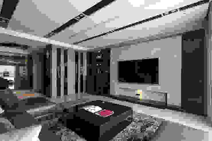 時尚經典-廖公館 现代客厅設計點子、靈感 & 圖片 根據 IDR室內設計 現代風