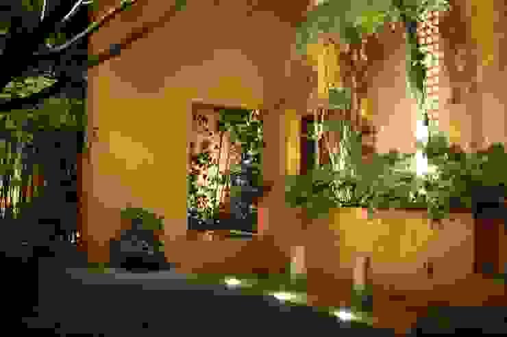 Jardines de estilo  de Fiat Lux,