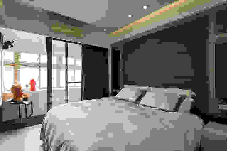 主臥室整合出時尚精品風 根據 青瓷設計工程有限公司 現代風