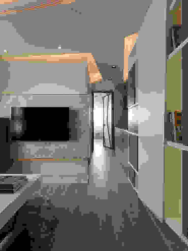 方寸之間 现代客厅設計點子、靈感 & 圖片 根據 樸暘室內裝修有限公司 現代風