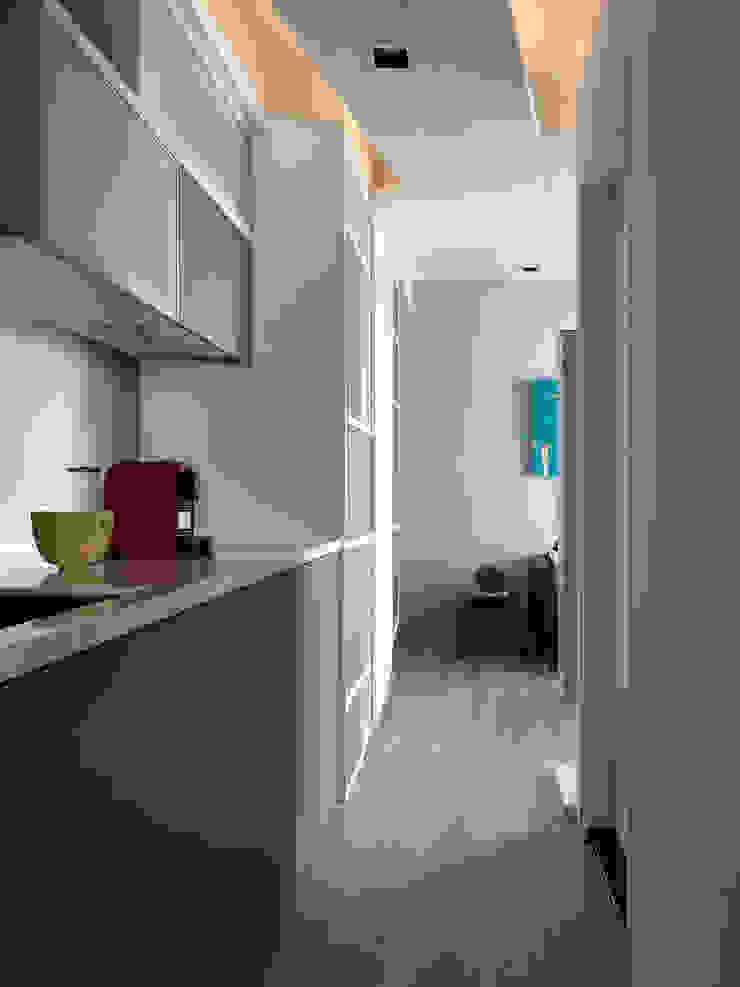 方寸之間 現代廚房設計點子、靈感&圖片 根據 樸暘室內裝修有限公司 現代風