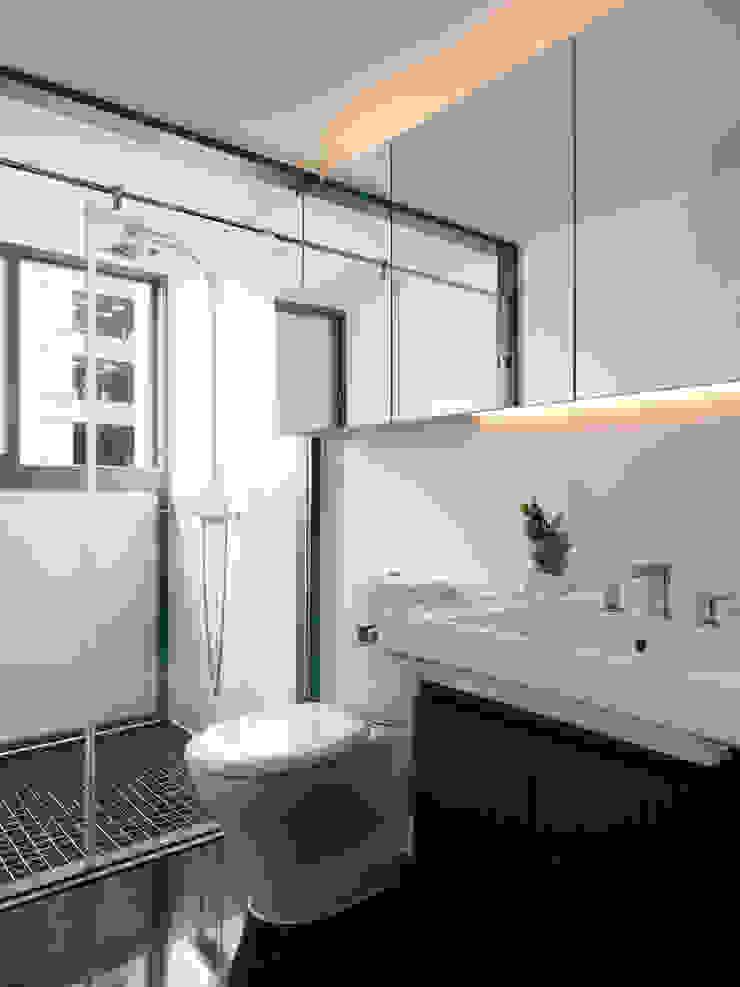 方寸之間 現代浴室設計點子、靈感&圖片 根據 樸暘室內裝修有限公司 現代風