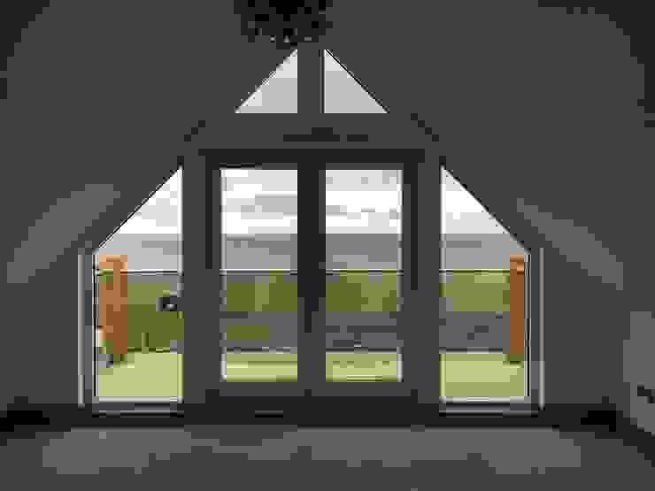 Plot 4, The Views, Gallaton, Stonehaven, Aberdeenshire Puertas y ventanas modernas de Roundhouse Architecture Ltd Moderno Madera Acabado en madera