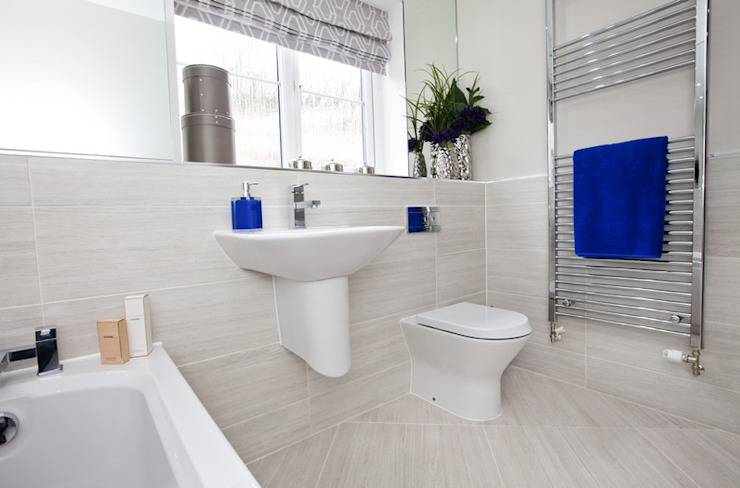 Make every room a new adventure… .. Baños modernos de Graeme Fuller Design Ltd Moderno
