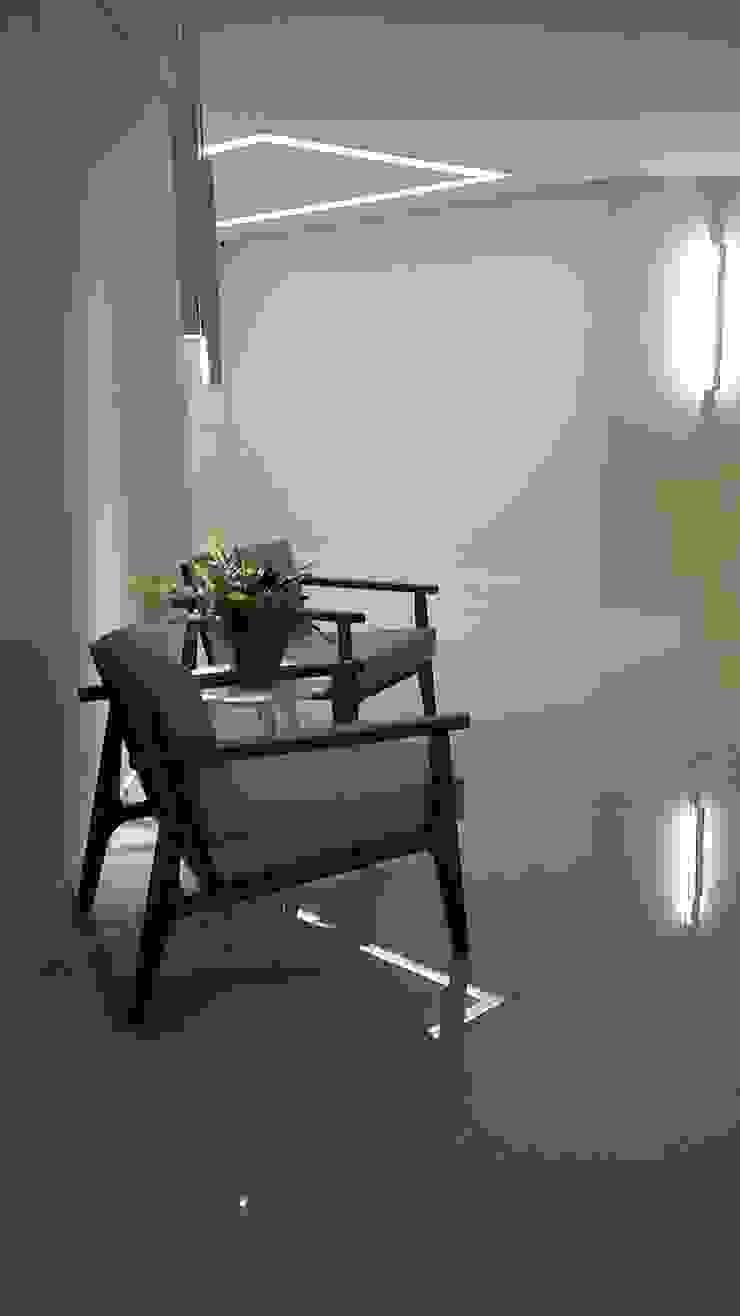 Modern living room by LK estudio de design Modern