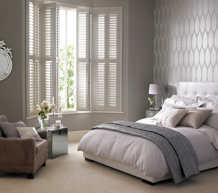 Kenilworth Wooden/Lifetime Vinyl Shutters Thomas Sanderson ห้องนอน