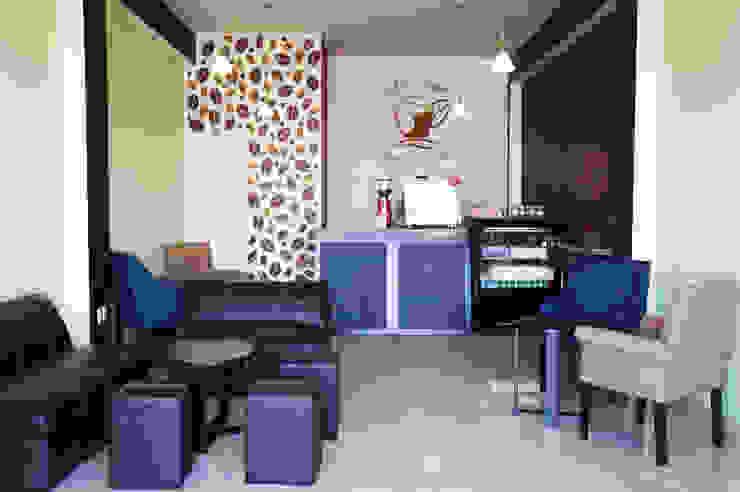 PROYECTO CAFETERÍA TOTAL COFFE by CÉRVOL Modern