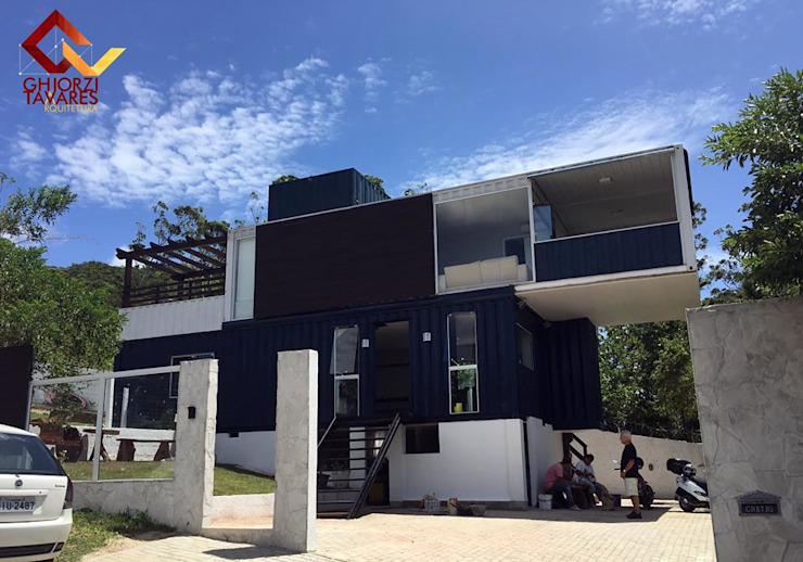 Casas de estilo minimalista de GhiorziTavares Arquitetura Minimalista Hierro/Acero