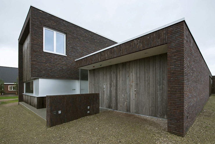 Modern houses by Lab32 architecten Modern Stone