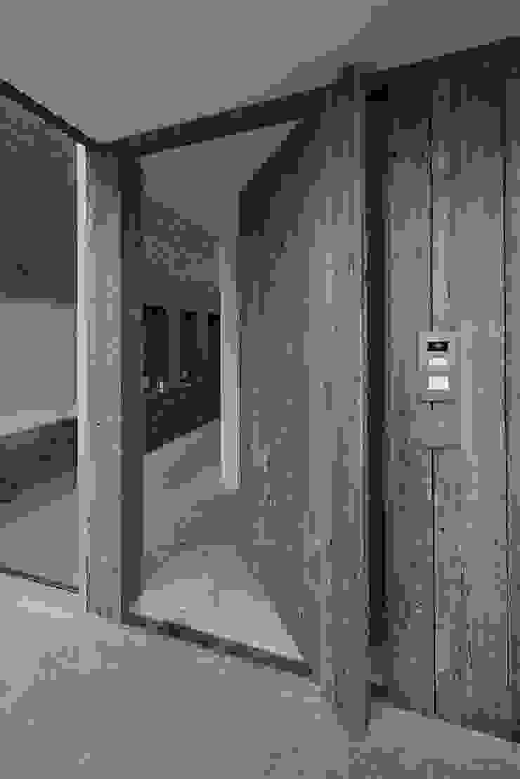 Hal-entree Moderne huizen van Lab32 architecten Modern Hout Hout