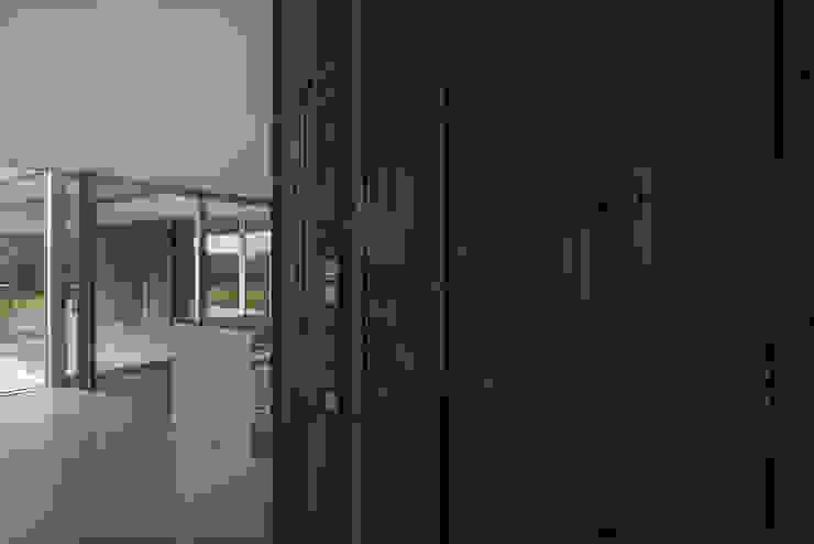 Woonkamer-keuken Moderne woonkamers van Lab32 architecten Modern Hout Hout
