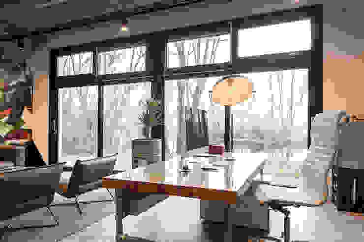 Bureau van Bob Romijnders Architectuur + Interieur Industrieel