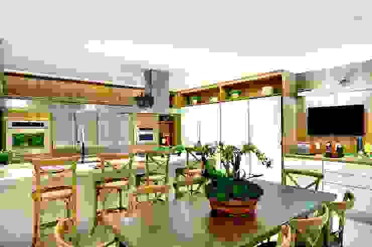 Cocinas de estilo moderno de Quitete&Faria Arquitetura e Decoração Moderno