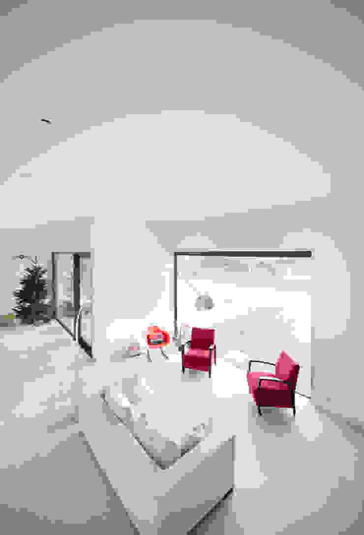 G31 Moderne woonkamers van das - design en architectuur studio bvba Modern
