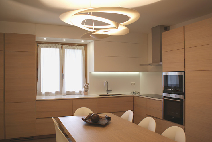 Modern kitchen by GRITTI ROLLO | Stefano Gritti e Sofia Rollo Modern Wood Wood effect