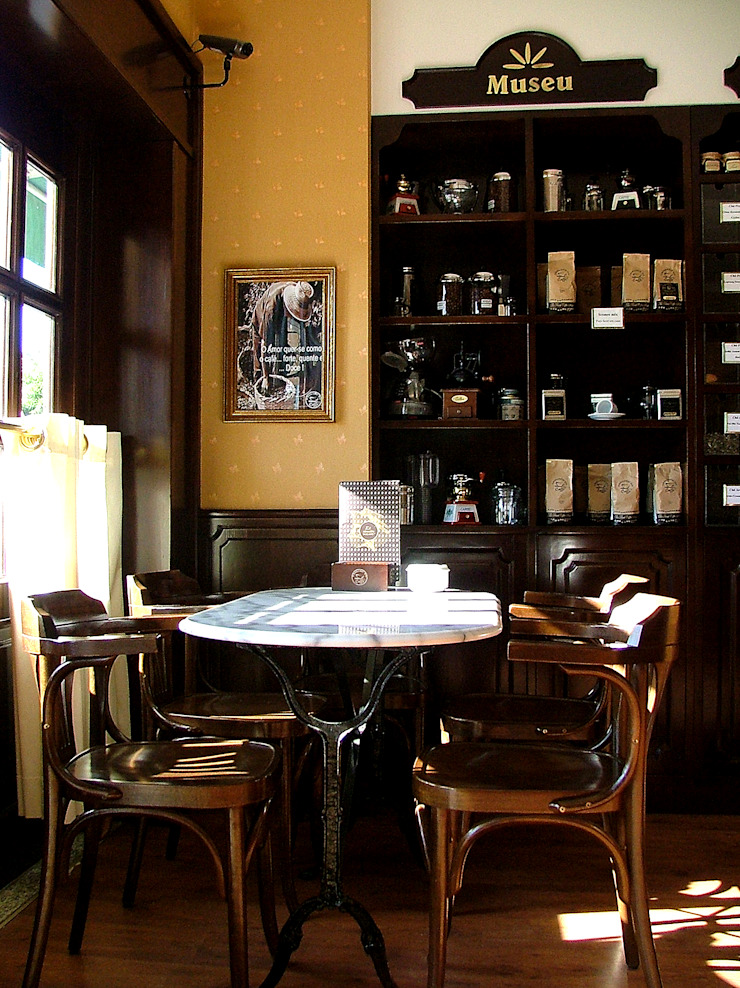 Armazém do Caffé Espaços de restauração clássicos por Desigual - Arquitectura de Interiores, Lda Clássico