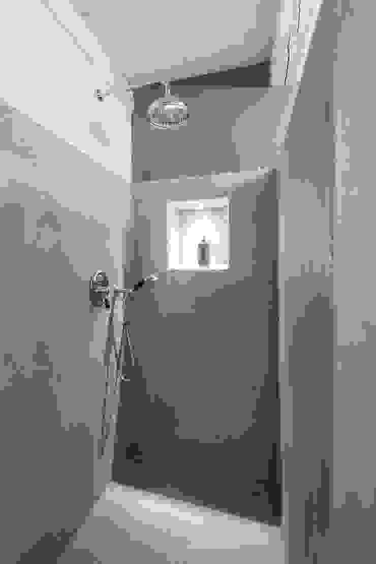 UAU un'architettura unica Koloniale Badezimmer Beige