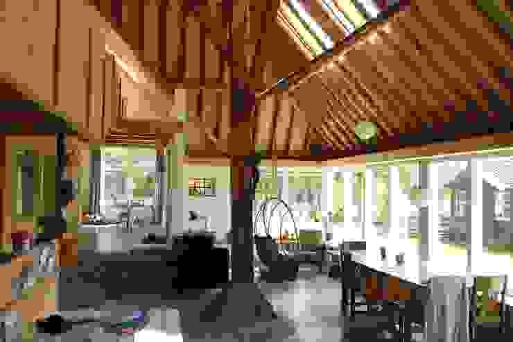 verbouw boerderij Landelijke woonkamers van Architectenbureau Knegt SA Landelijk