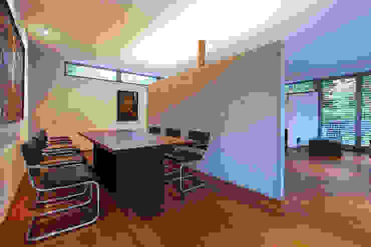 Esszimmer / Tische Moderne Esszimmer von Lignum Möbelmanufaktur GmbH Modern