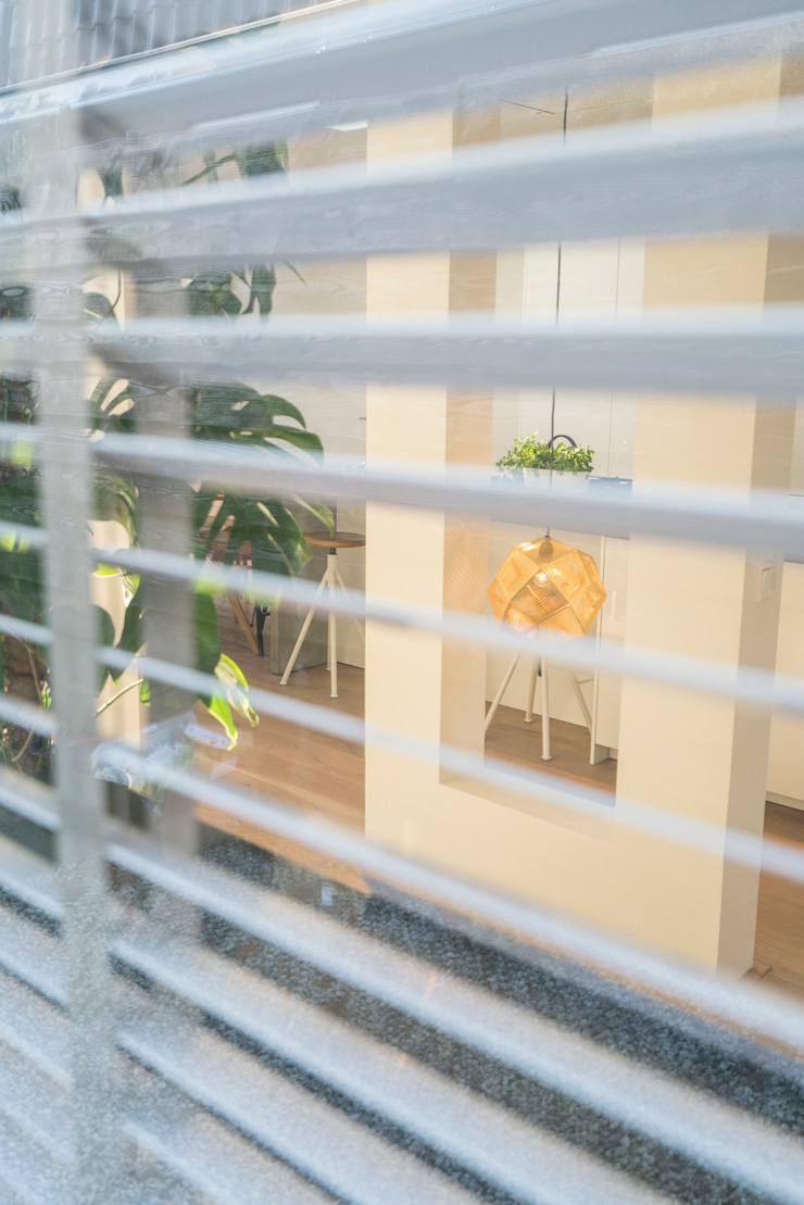 Masters of Interior Design Ruang Keluarga Modern Kayu White